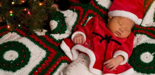 20 Ways to CelebrateBaby's First Christmas